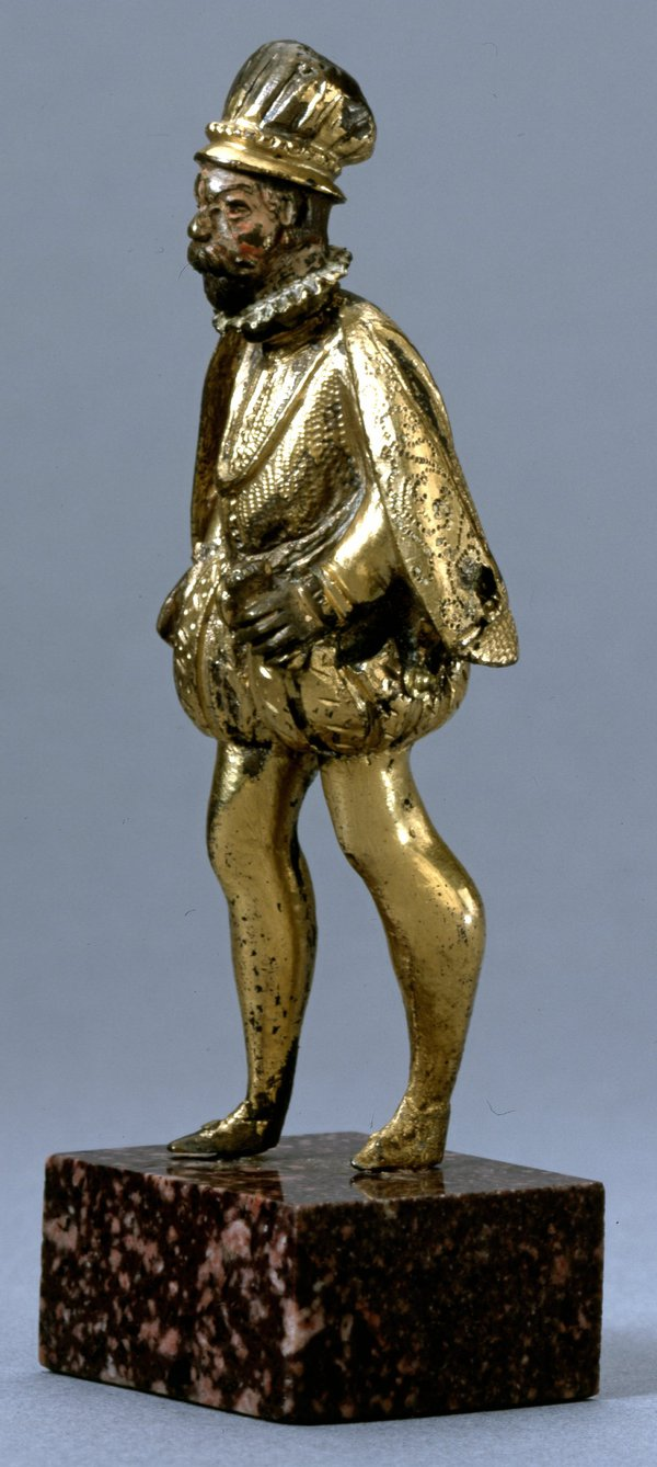 The figure donated to the BM by Rainer Zeitz Limited (Reg. 1983,0706.1)
