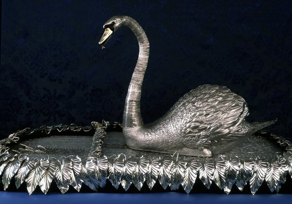 BOWES-Swan-with-fish-600-dpi