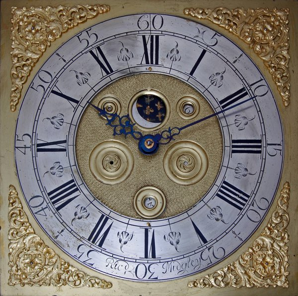 MG09-Midgely-of-Ripponden-dial-squared-lighted