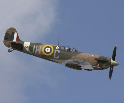 Supermarine-Spitfire-Mk-I-109189cb8ikhldt-Bernie-Condon
