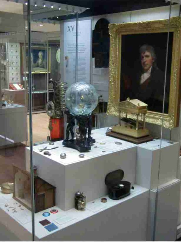 showcase-in-Clockmakers-Museum